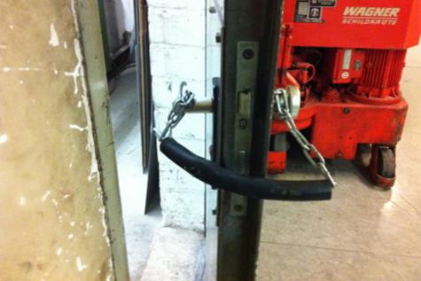 Prüfung, Wartung & Instandhaltung von Feuerschutztüren • SV-Fassbender